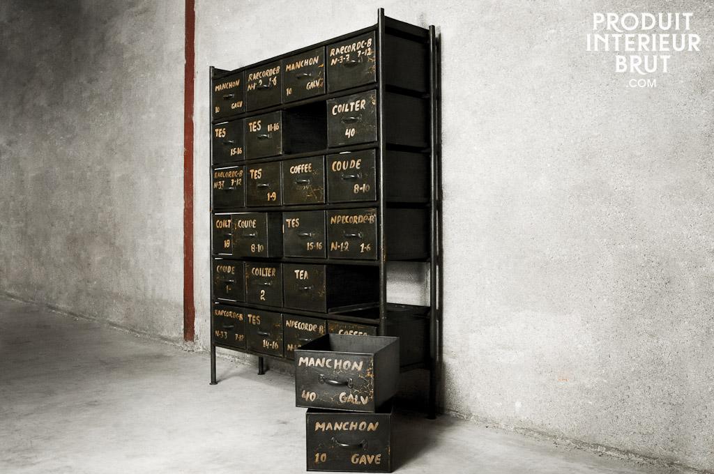 Actuellement en promo cette étagère d'atelier en métal – meuble industriel de Produit Intérieur Brut